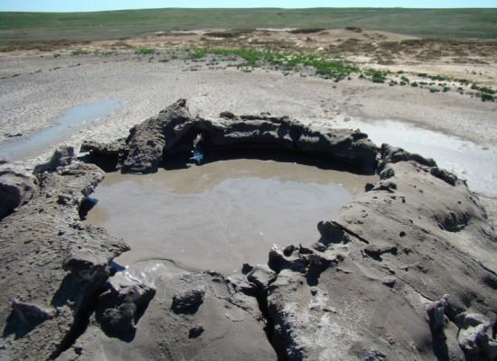 Ученый сахалинского института морской геологии и геофизики изучил грязевые вулканы Крыма