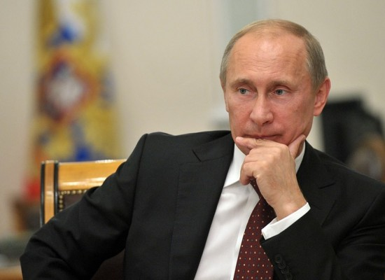 Президент России Владимир Путин поручил построить мост через Керченский пролив до конца 2018 года