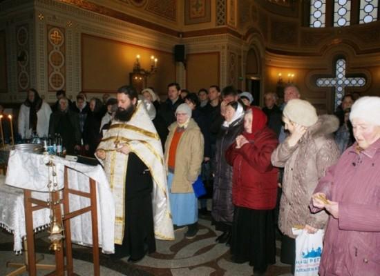 В Крыму прошли молебны о благополучном проектировании и строительстве моста через Керченский пролив