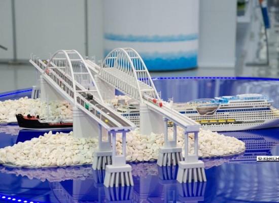 ФГУП «Крыловский государственный научный центр» проводит испытания модели Керченского моста