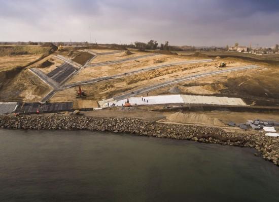 При въезде на Керченский мост установят огромную скульптурную композицию