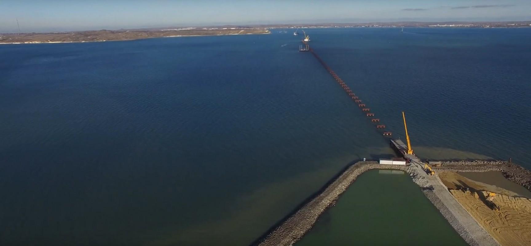 9.12.2015. Строительство технологического моста РМ-2 через Керченский пролив