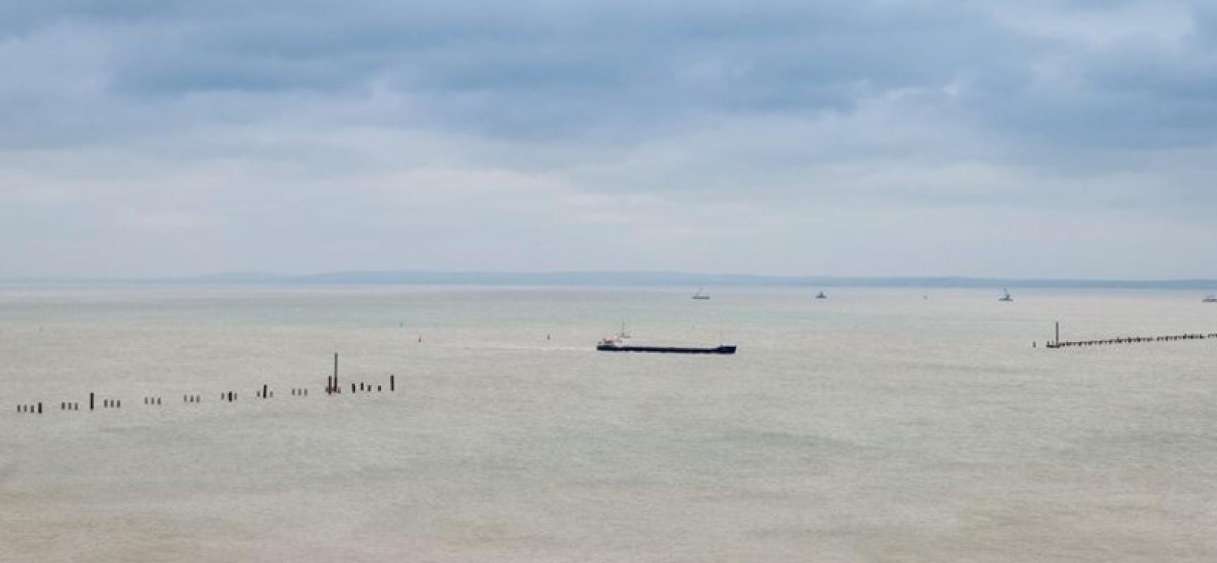 Будут утверждены запретные для плавания участки в районе строительства моста через Керченский пролив