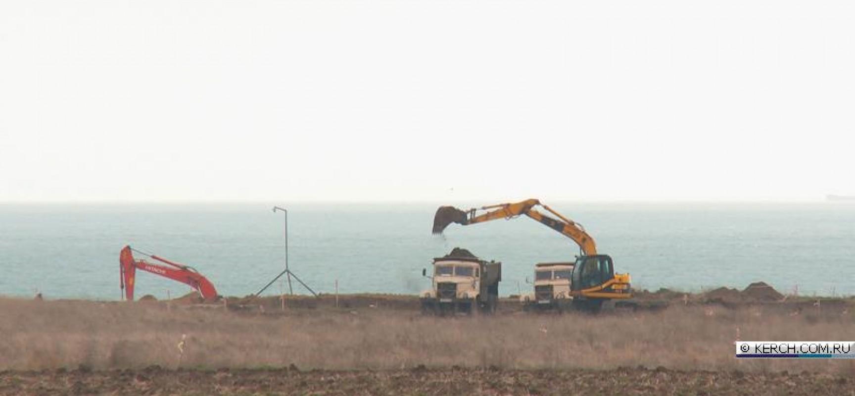 В Крыму между поселками Героевское и Заветное растет стройгородок.