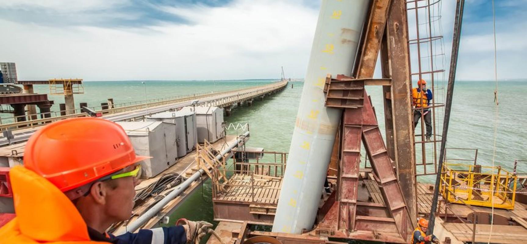 Начато сооружение опор основного моста Керченском проливе