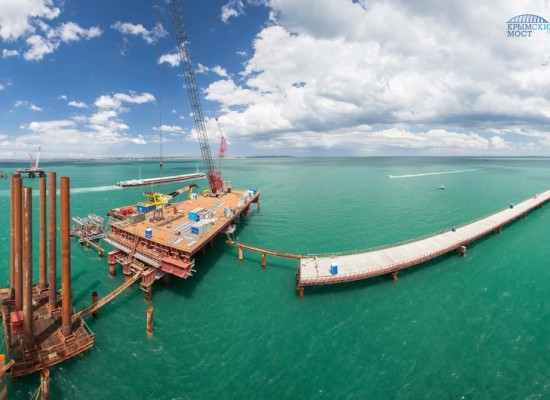 Начато сооружение судоходной части моста через Керченский пролив