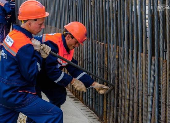 Завершился трудовой семестр студентов на строительстве моста через Керченский пролив