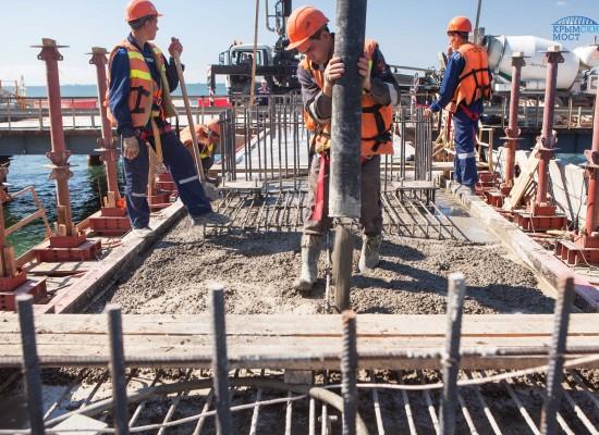 На керченской ярмарке вакансий наберут рабочих на мост