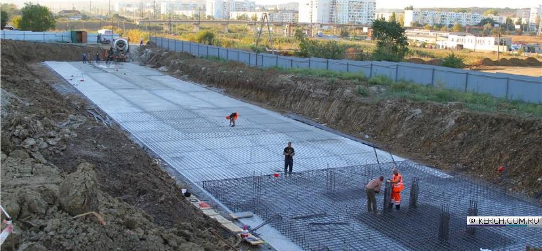 Жителей Цементной слободки пригласили их посмотреть как проходит процесс строительства нового жилья