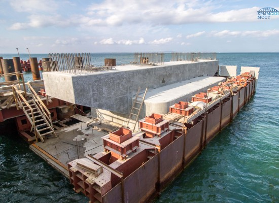 Строители моста через Керченский пролив подвели итоги весенне-летнего строительного сезона