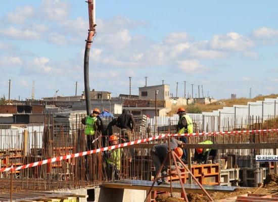 В Керчи продолжаются работы по возведению двух домов для переселенцев с Цементной слободки