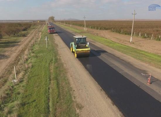 Мостостроители восстановили более 30 км межмуниципальных дорог на Таманском полуострове.