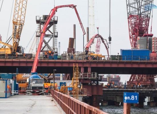 Погружено 50% от всего объема свай моста через Керченский пролив