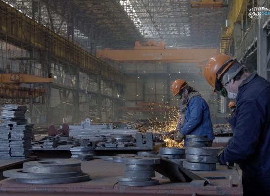 Плавсистема для доставки арок Крымского моста создается поэтапно на «Севморзаводе»