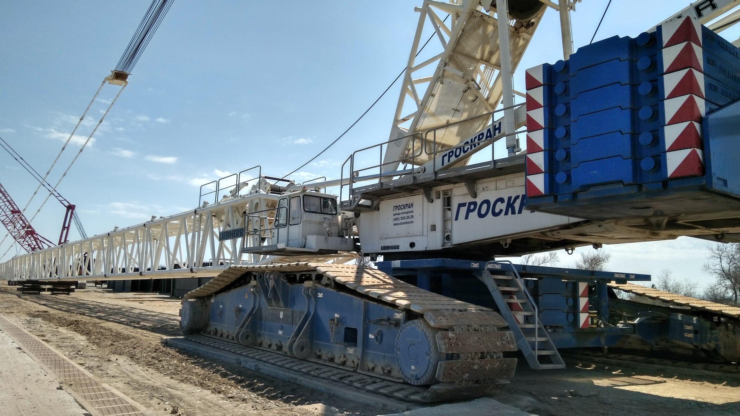 Масштабы поражают: в Сети появились впечатляющие фото Керченского моста