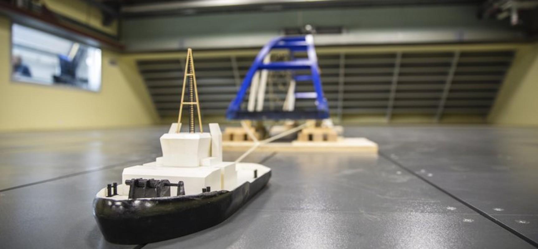 Специалисты Крыловского государственного научного центра смоделировали транспортировку судоходных арок Крымского моста