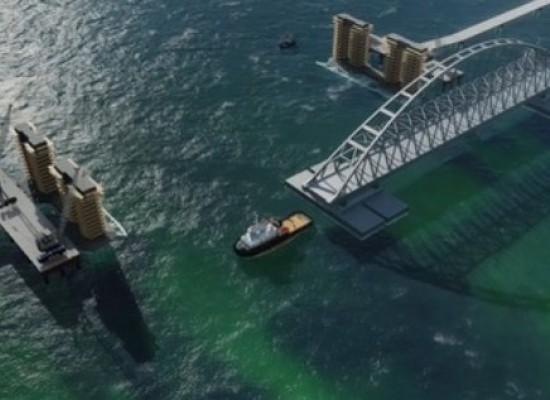 Транспортировка фарватерных арочных пролётных строений Крымского моста и подъём их на постоянные опоры