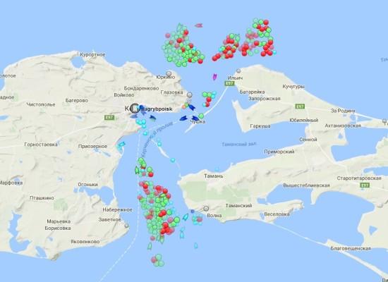 В Керченском проливе наблюдается пробка