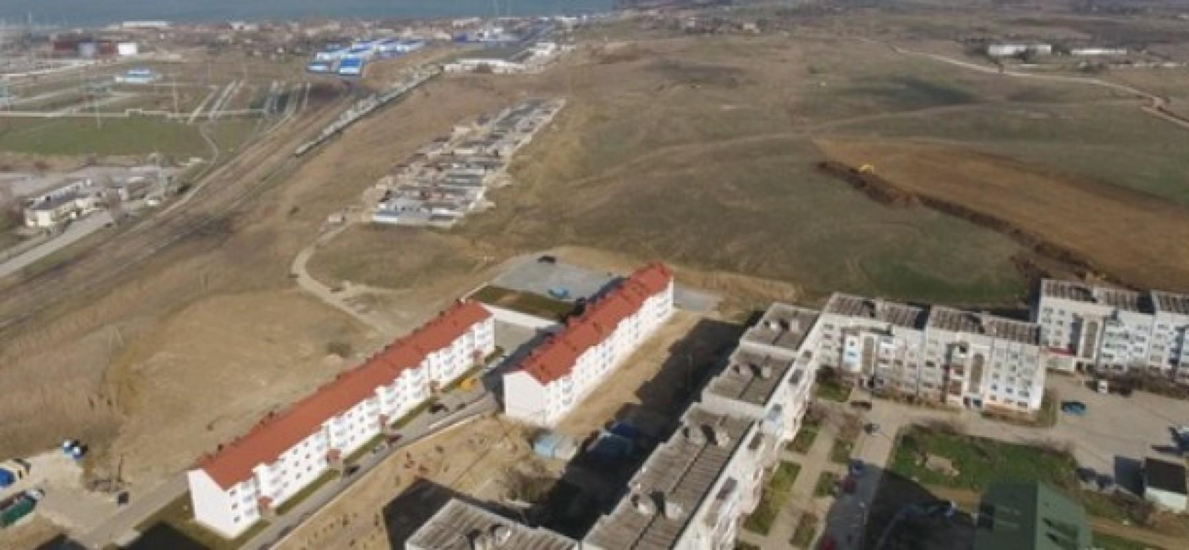 Переселенцам с цементной слободки начали выдавать документы на новое жилье