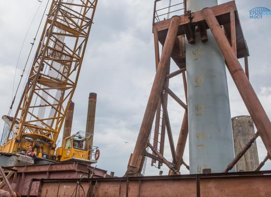 Погружены все сваи в основание автодорожной части Керченского моста