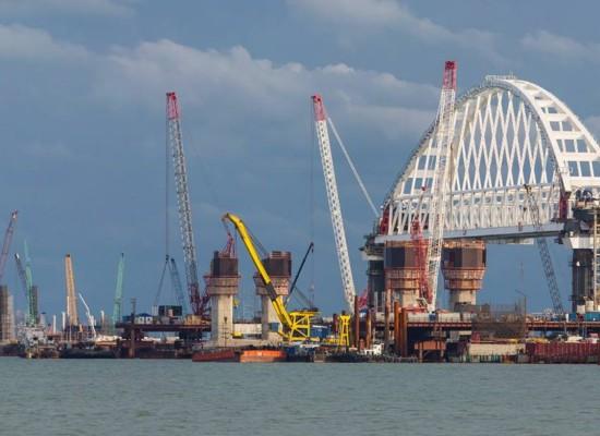 Инженерный мониторинг подтвердил 100% точности установки железнодорожной арки моста через Керченский пролив