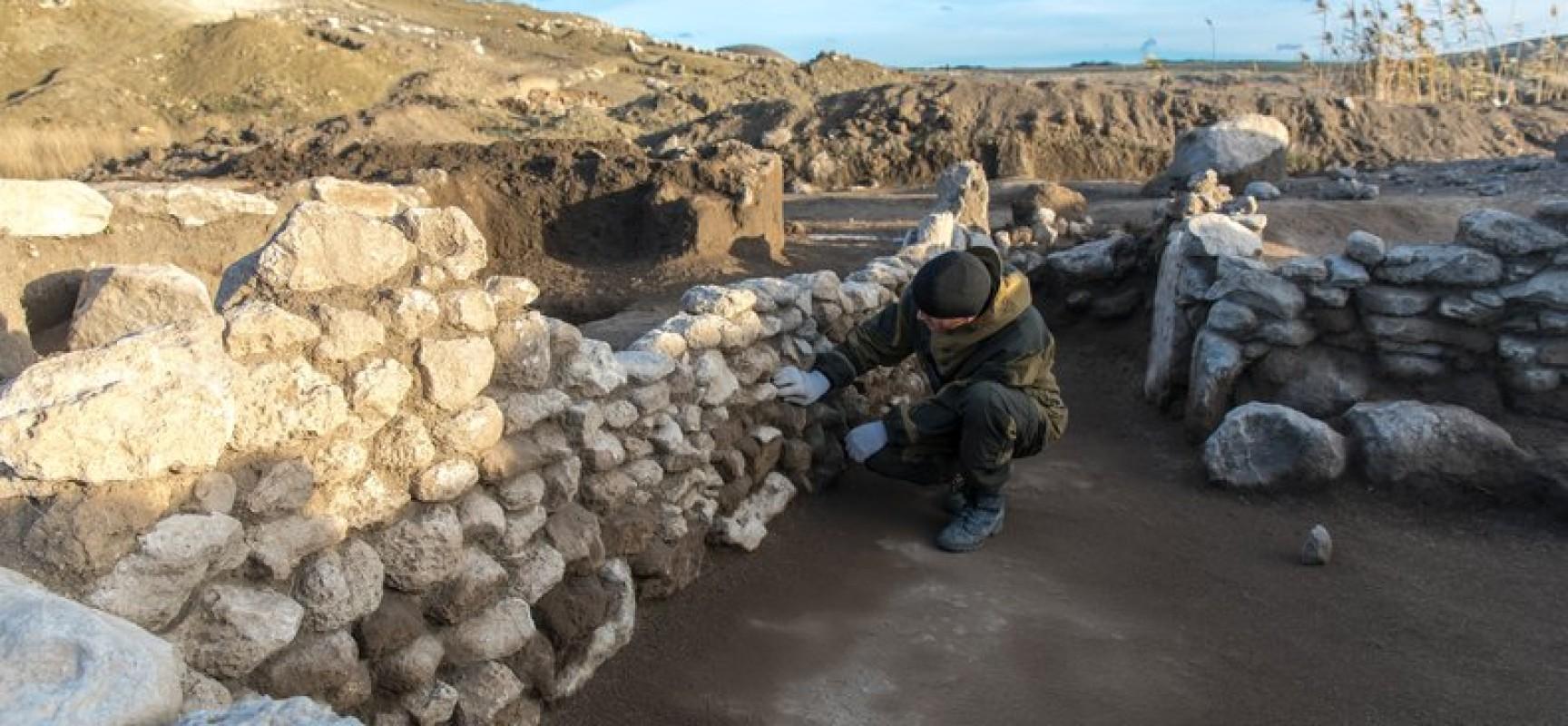 Около Керчи проходят масштабные археологические исследования территории