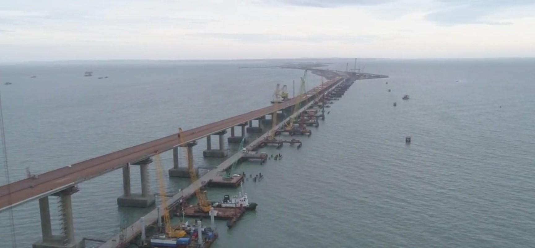 Готовы все опоры автодорожной части моста через Керченский пролив