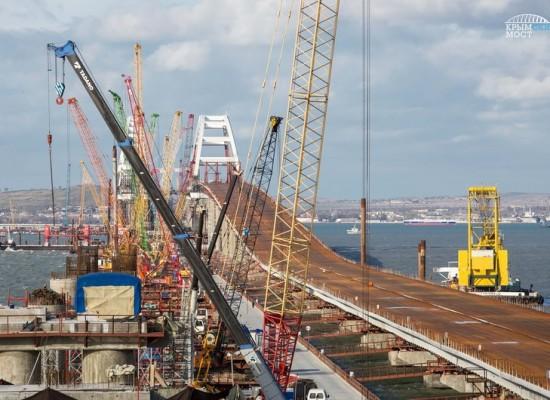 Завершена сборка пролетных строений автодорожной части Керченского моста