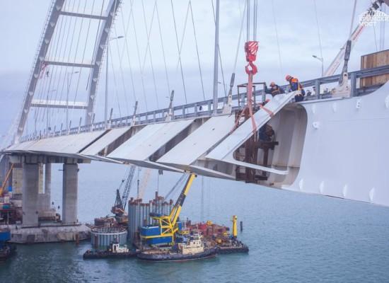 Завершен монтаж аэродинамических обтекателей автодорожной арки