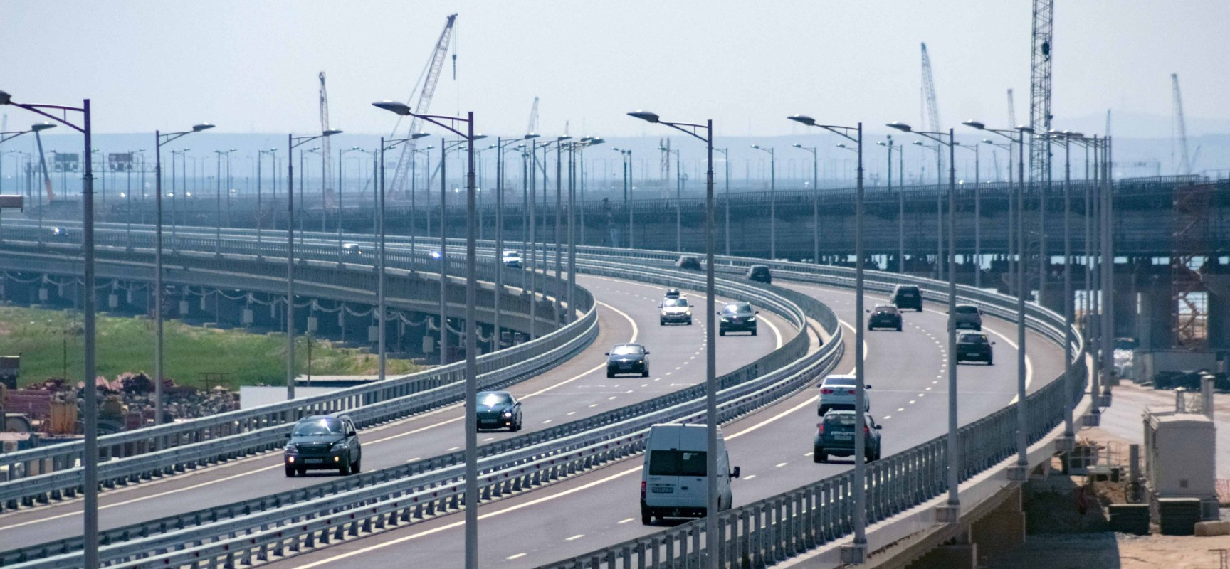 С 1 сентября изменится схема движения на подходе к мосту со стороны Керчи