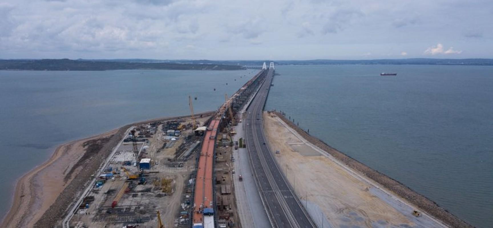 Собраны все пролётные строения железнодорожной части моста через Керченский пролив