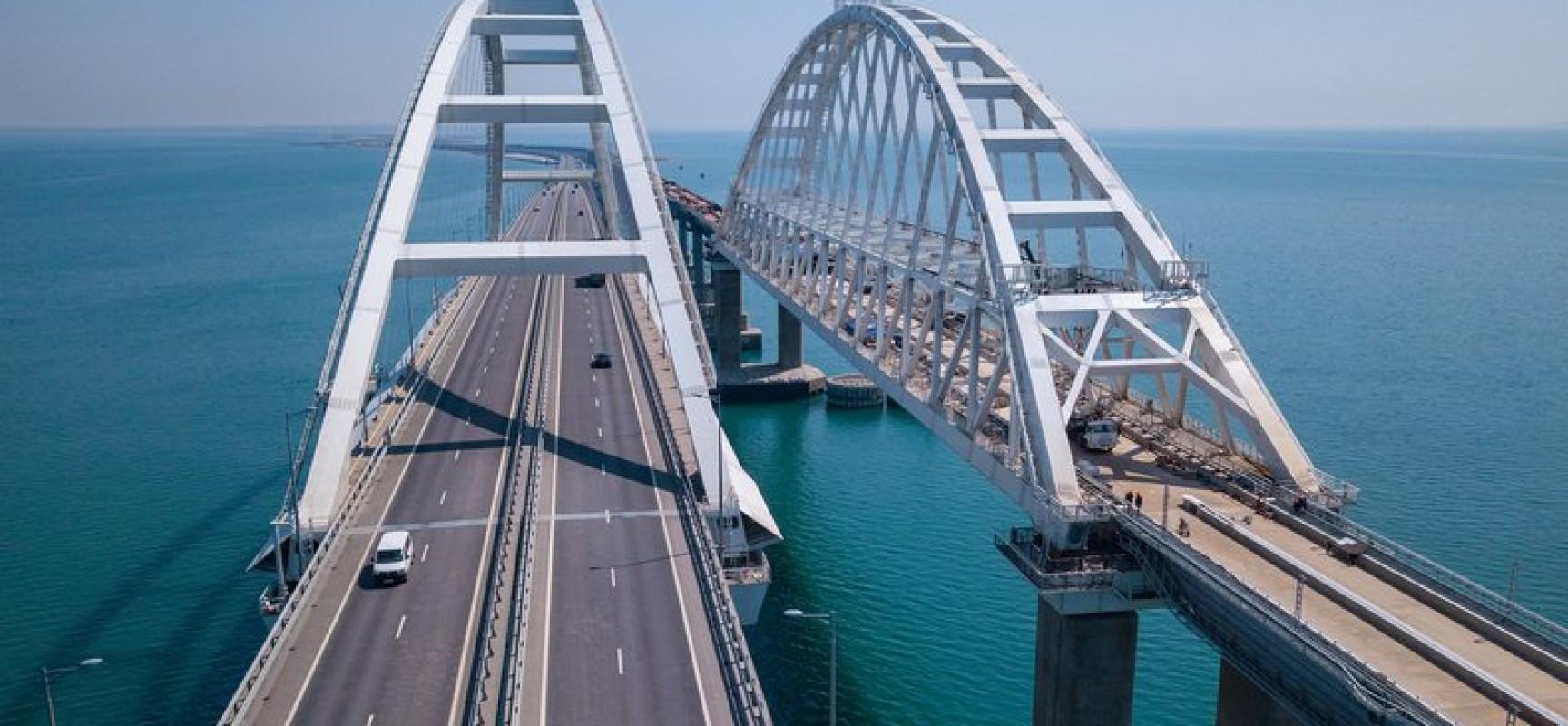 Строительство моста завершено